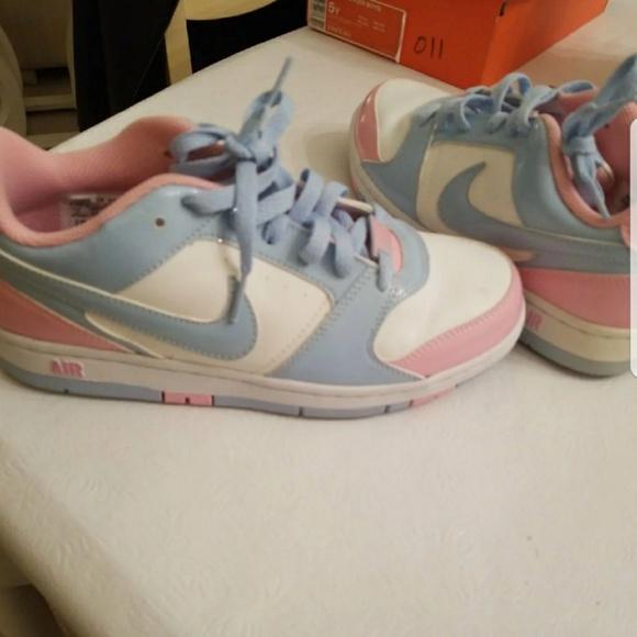 Nike Shoes   Womens Size 7 Nike Baby